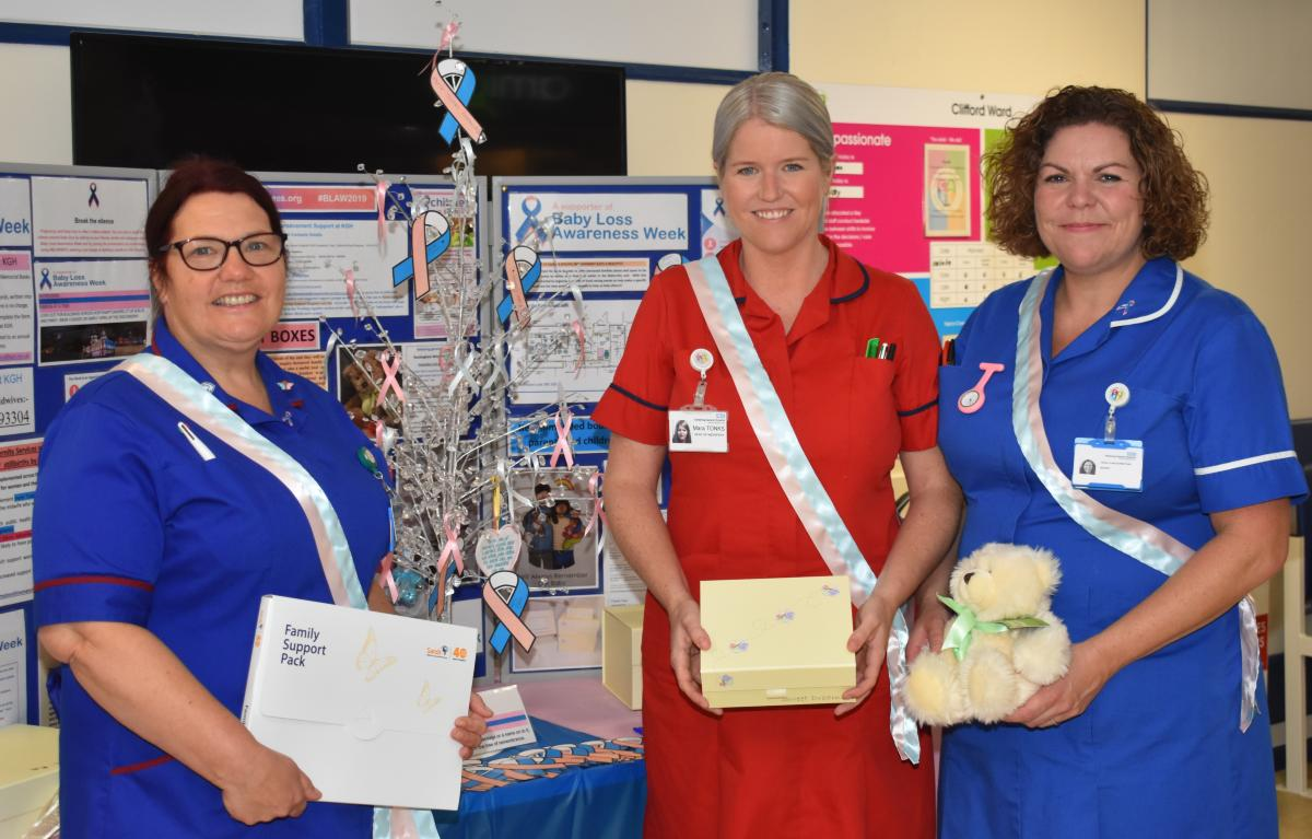 Midwives promoting baby loss awareness